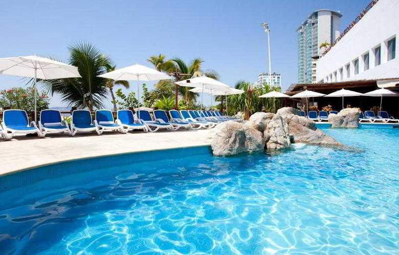 Crowne Plaza Acapulco - Pool - 13