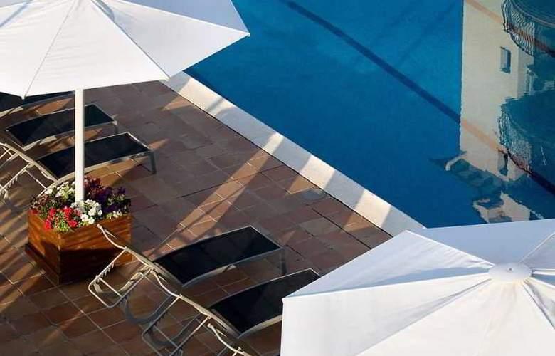 Hotel Terradets - Pool - 10