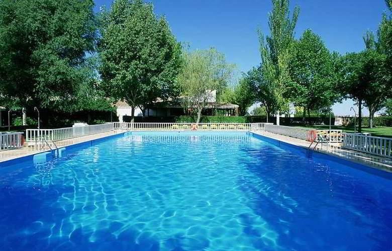 Parador de Albacete - Pool - 8
