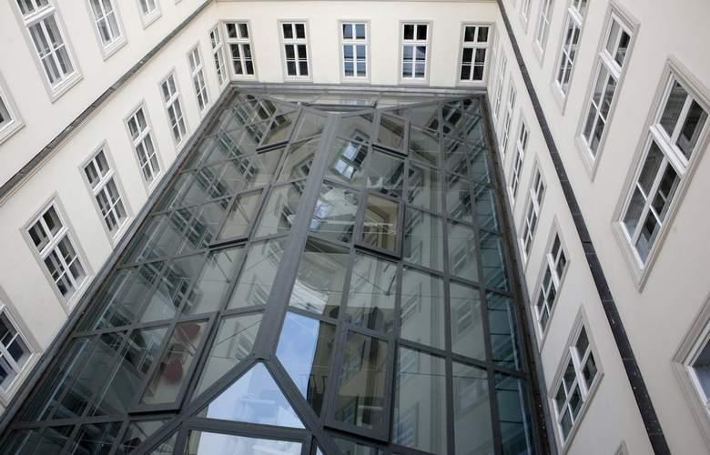 Zenit Budapest Palace - Building - 4