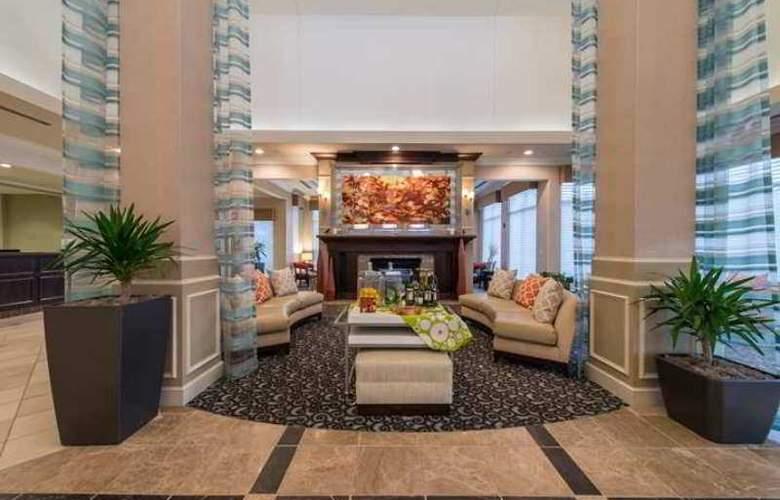 Hilton Garden Inn Lynchburg - Hotel - 1