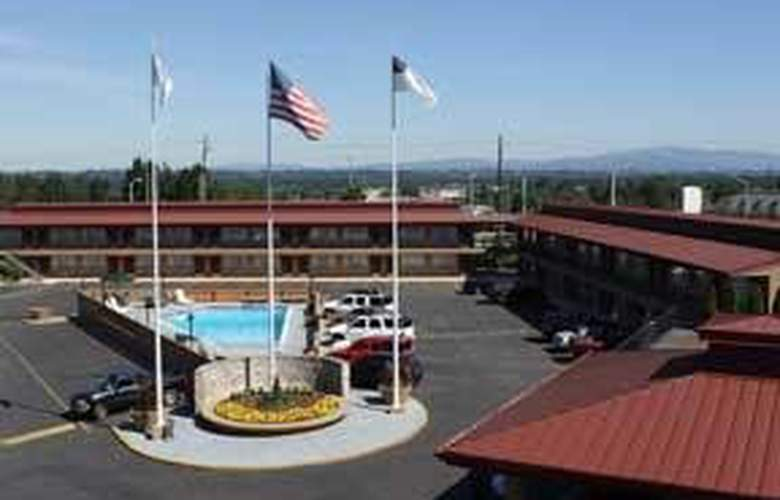 Quality Inn and Suites Airport Convention Center - Hotel - 0
