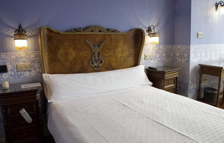 Villa Rosa - Room - 9