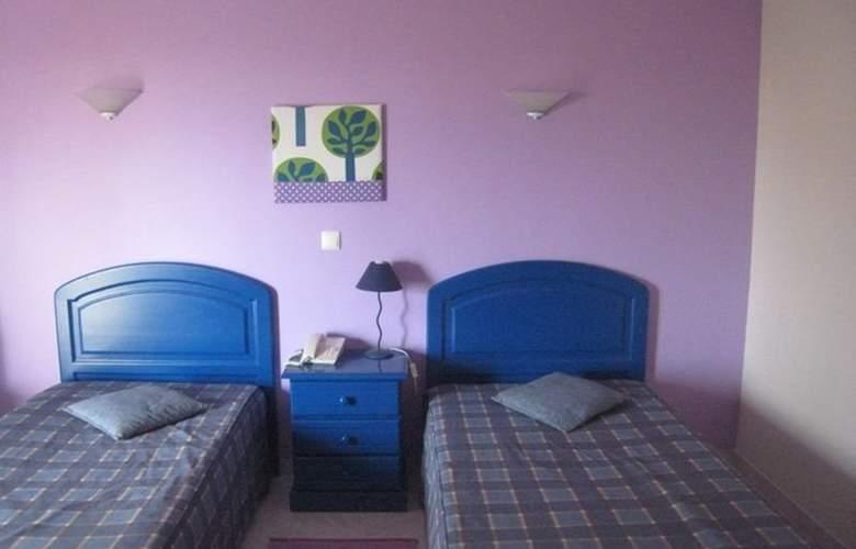 Praia Azul - Room - 3