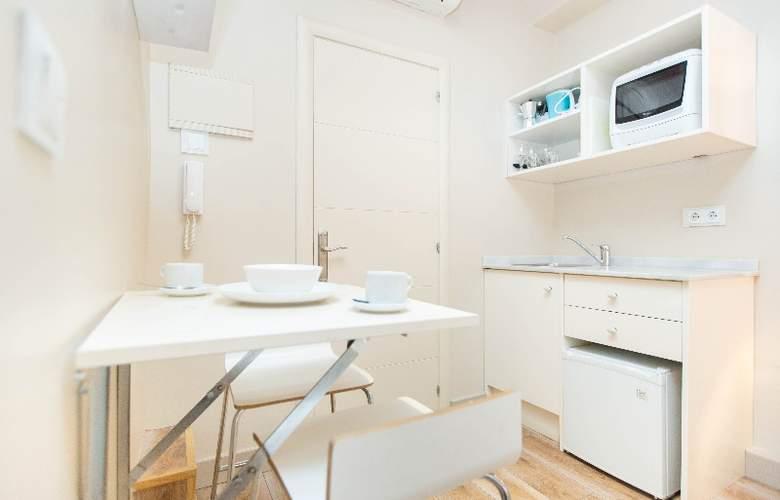 AinB Gothic-Jaume I Apartments - Room - 9