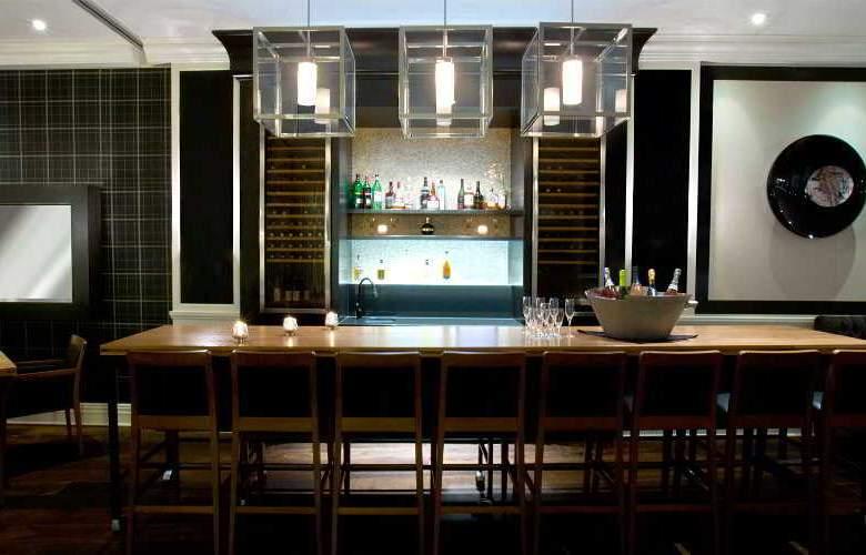 Manoir Victoria - Bar - 5