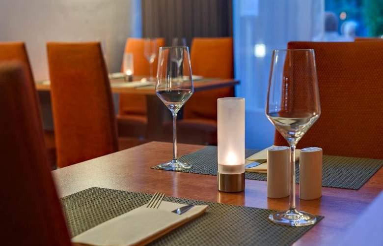 Park Inn by Radisson Berlin City West - Restaurant - 16