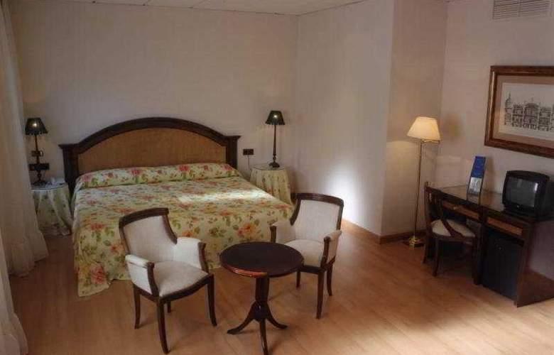 Monterrey - Room - 2