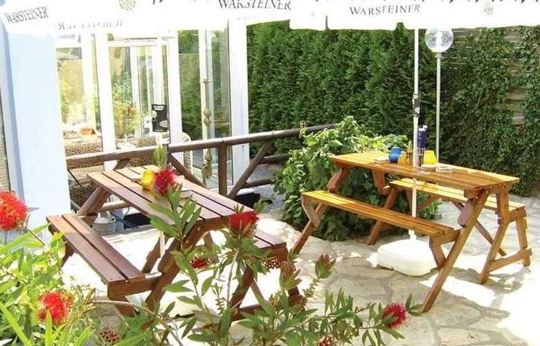 British Bed & Breakfast - Terrace - 7