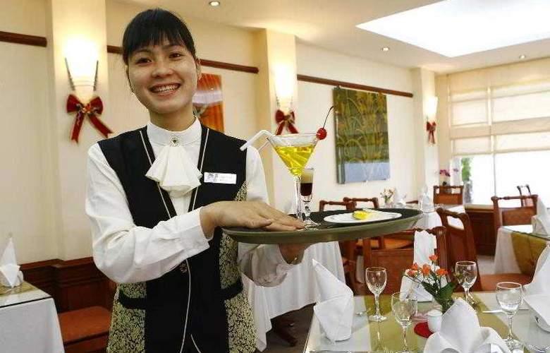 Flower Hotel - Restaurant - 6