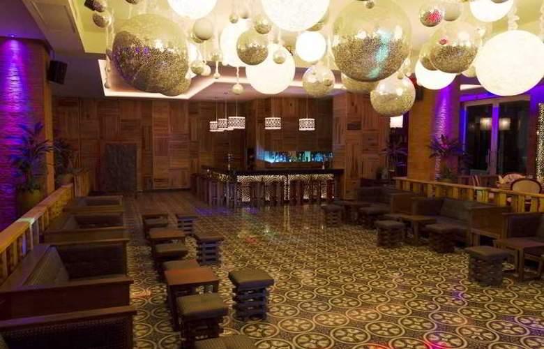 Sandos Caracol Select Club - Bar - 23