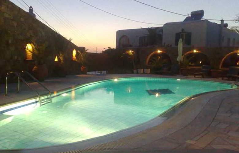 Zannis Hotel - Pool - 4