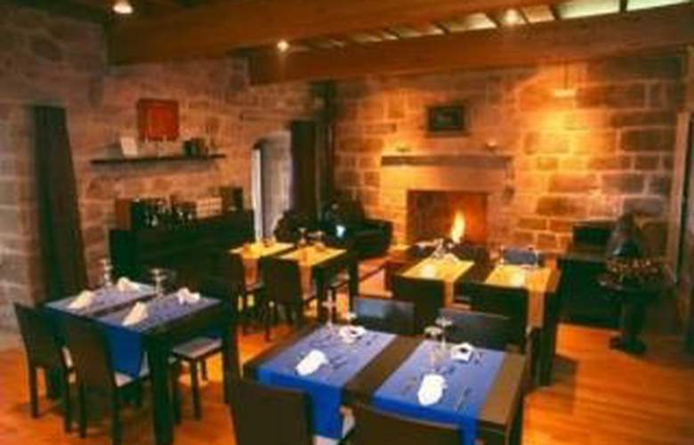 Monumento Castelo de Maceda - Restaurant - 6