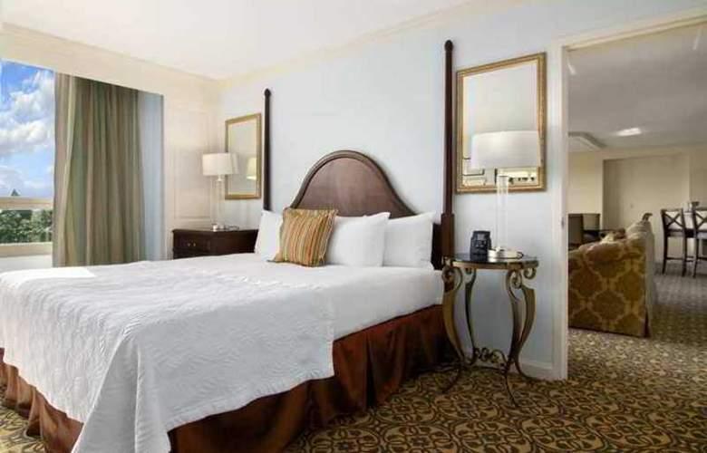 Hilton Savannah DeSoto - Hotel - 9