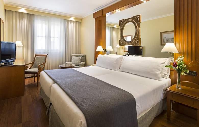 Exe Sevilla Macarena - Room - 8