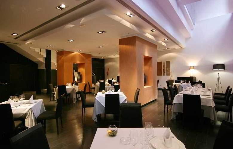 Atiram Gran Hotel Don Manuel - Restaurant - 1