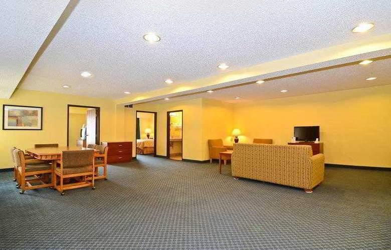 Best Western Ambassador Inn & Suites - Hotel - 52