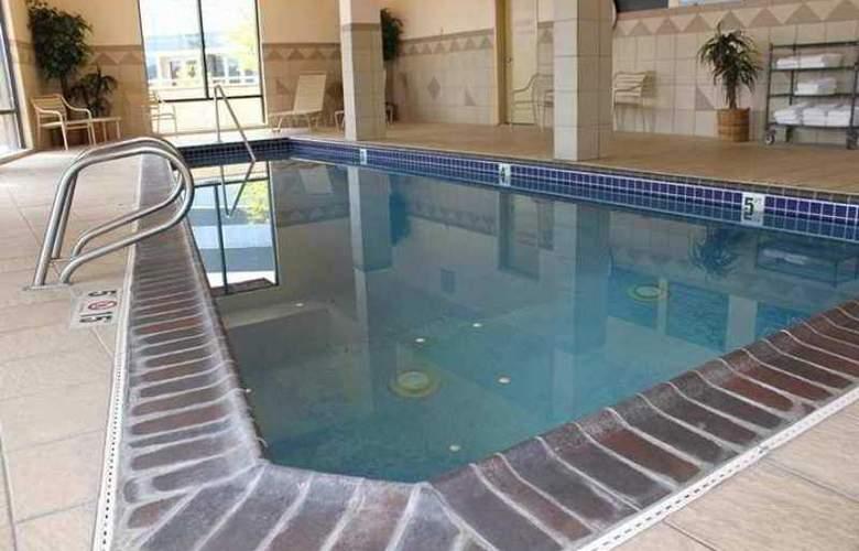 Hampton Inn & Suites Bremerton - Hotel - 1