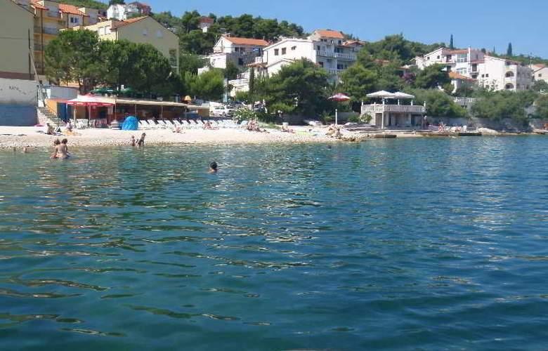 Vila Tina - Beach - 5