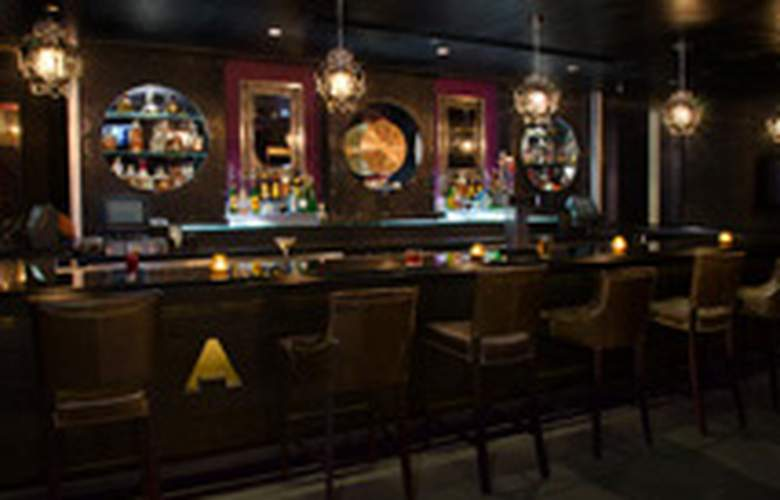 Hard Rock Hotel Chicago - Bar - 7