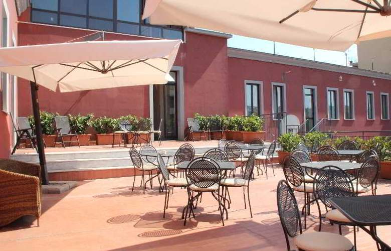 Hotel Nuvo - Terrace - 10