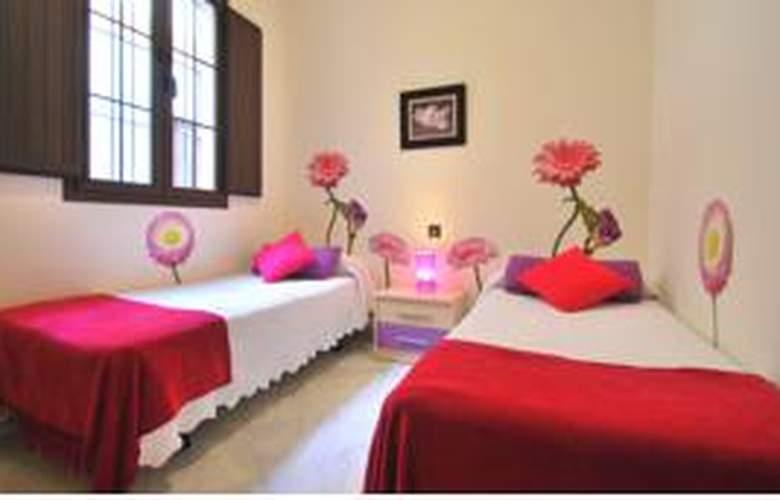 Living-Sevilla Apartments Lumbreras - Room - 6