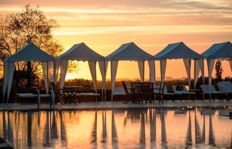 Arapey Thermal Resort and Spa Hotel - Pool - 10