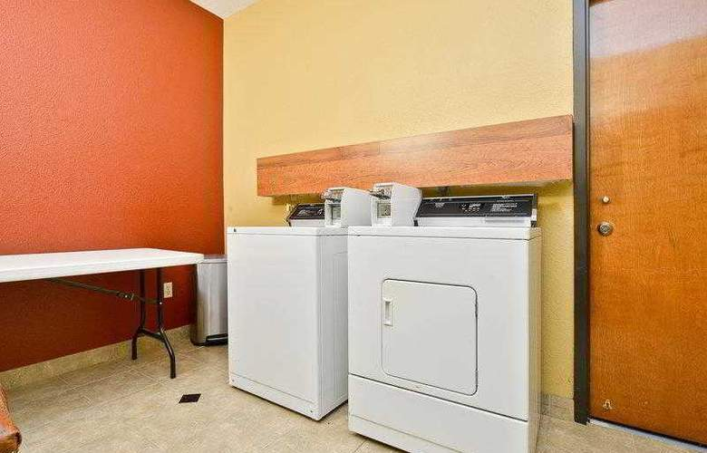 Best Western Greenspoint Inn and Suites - Hotel - 39