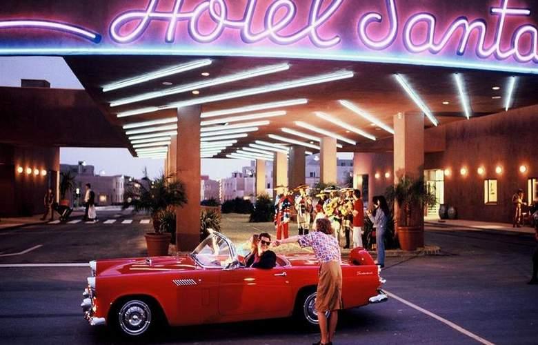 Disney's Hotel Santa Fe - Hotel - 5