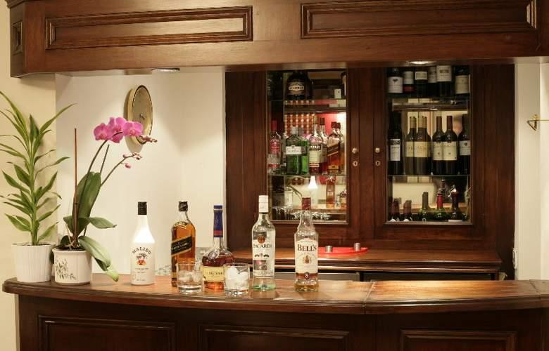 London Lodge - Bar - 3