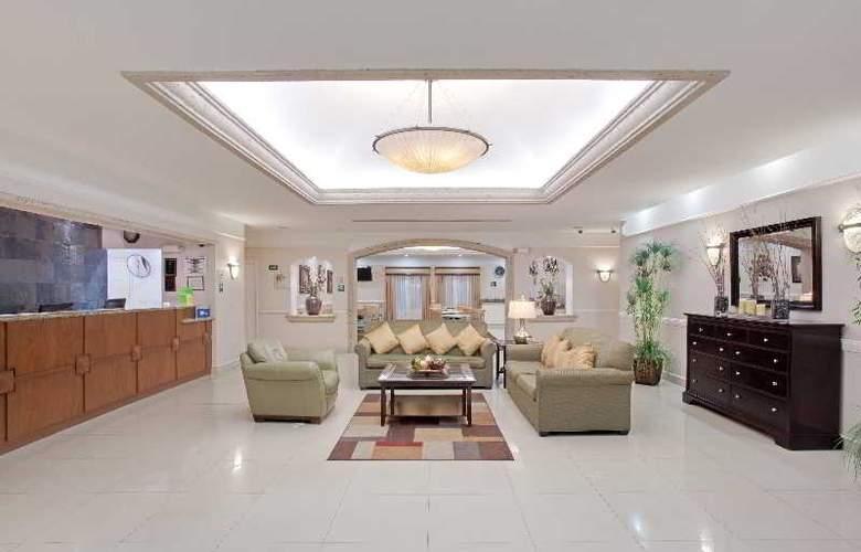 Hotel La Quinta Inn & Suites Ciudad Juarez Near US - Hotel - 0