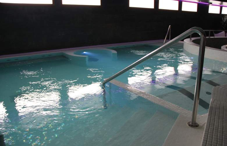 Jacetania Aparthotel & Spa - Pool - 21