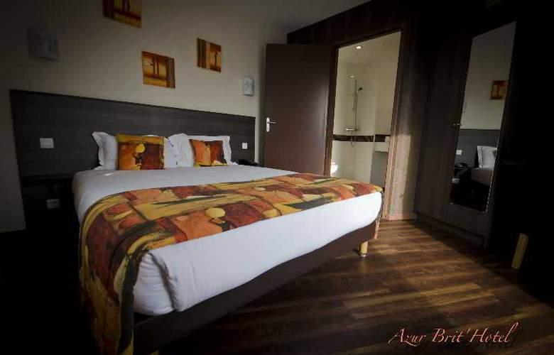 Brit Hotel Azur - Hotel - 7