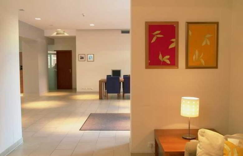 CAROL - Hotel - 13