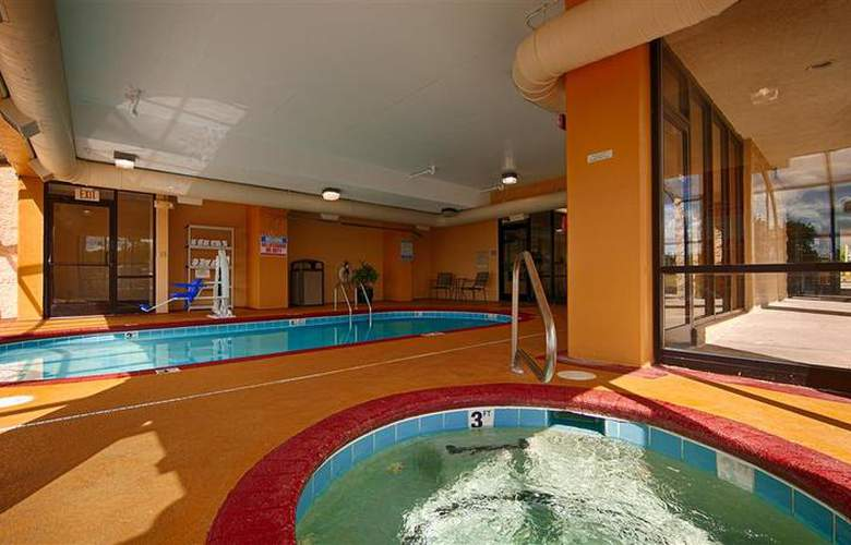 Best Western Knoxville - Pool - 4