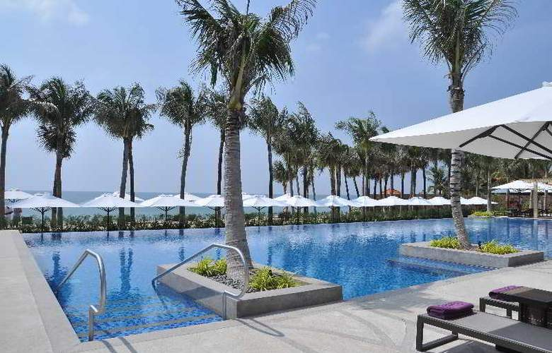 Salinda Premium Resort & Spa Phu Quoc - Pool - 17