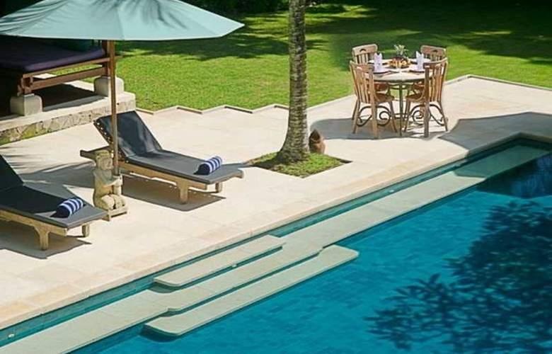 Alamanda Villa - Pool - 10
