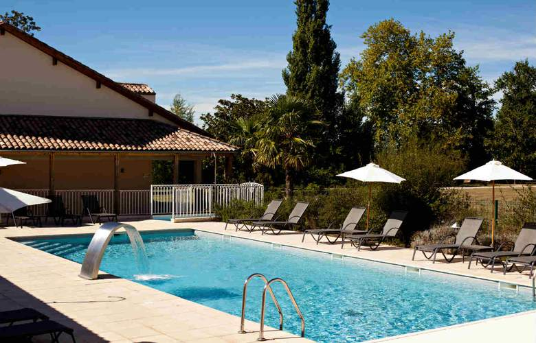 Grand Barrail Chateau Hotel Spa - Pool - 0