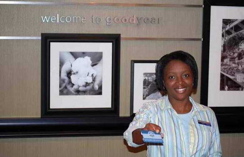 Hampton Inn & Suites Phoenix Goodyear - Hotel - 1