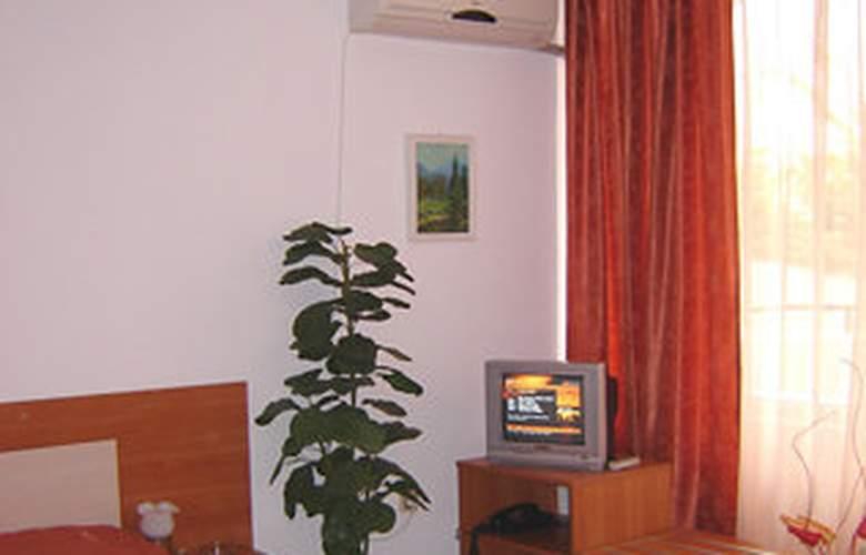 Polyusi - Room - 4