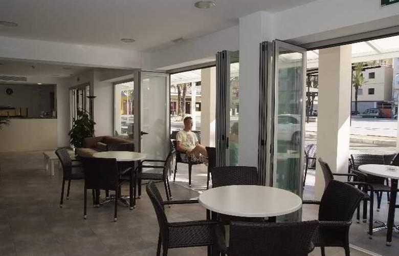 Gami Hostal - Hotel - 8