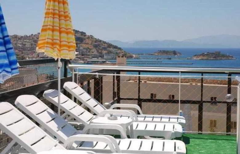 Alp Hotel - Terrace - 7
