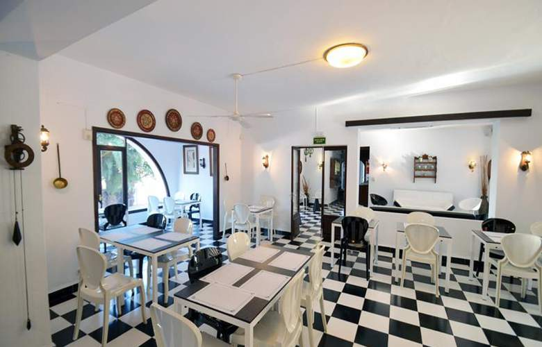 Azuline Hotel Galfi - Restaurant - 27