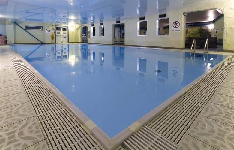 Best Western Park Hall - Pool - 230