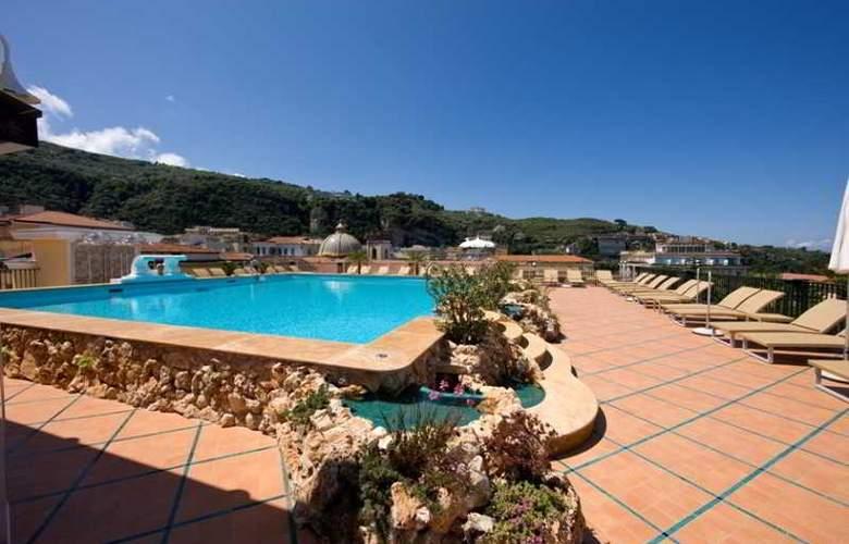 Grand Hotel la Favorita - Pool - 26