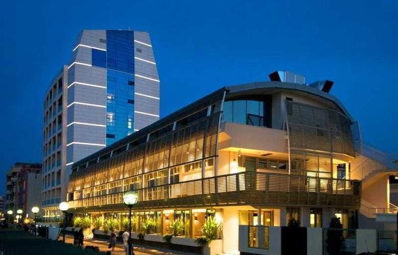 Excelsior Pesaro - Hotel - 0
