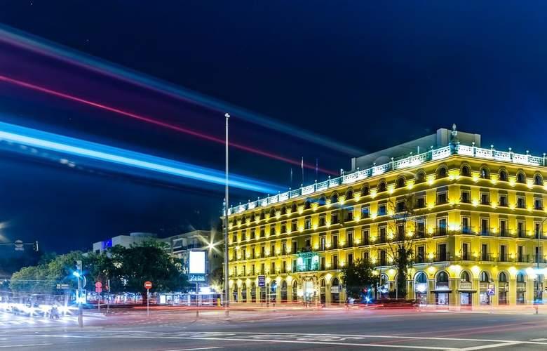 Exe Sevilla Macarena - Hotel - 0
