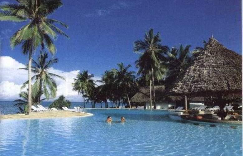 Karafuu Hotel Beach Resort - Pool - 1