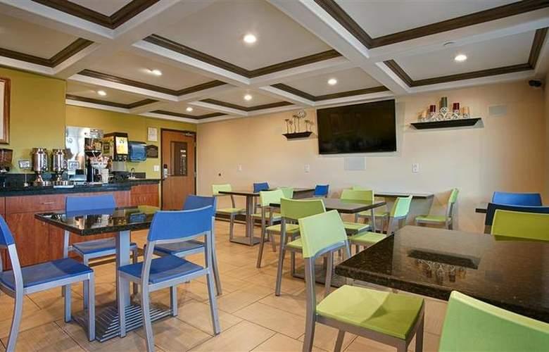 Best Western Plus Antelope Inn - Restaurant - 28