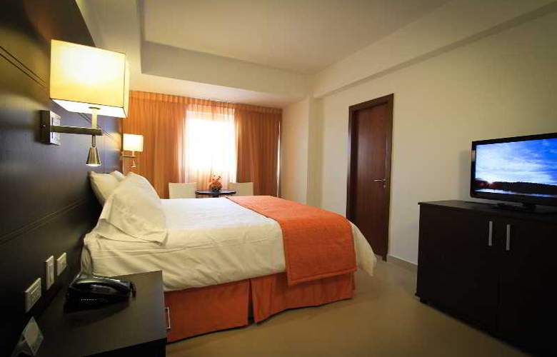 City House Soloy & Casino - Room - 3